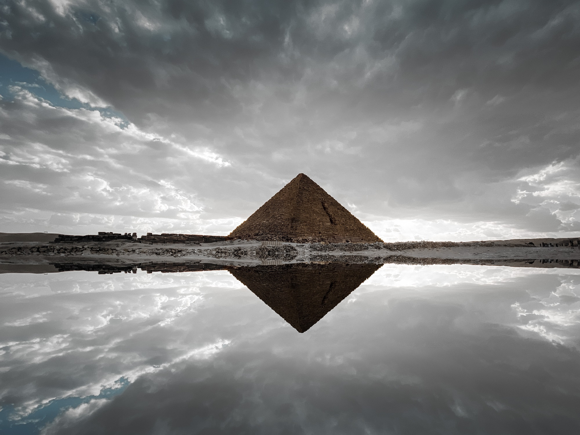 An image of Menkaure's pyramid at Giza. Shutterstock.